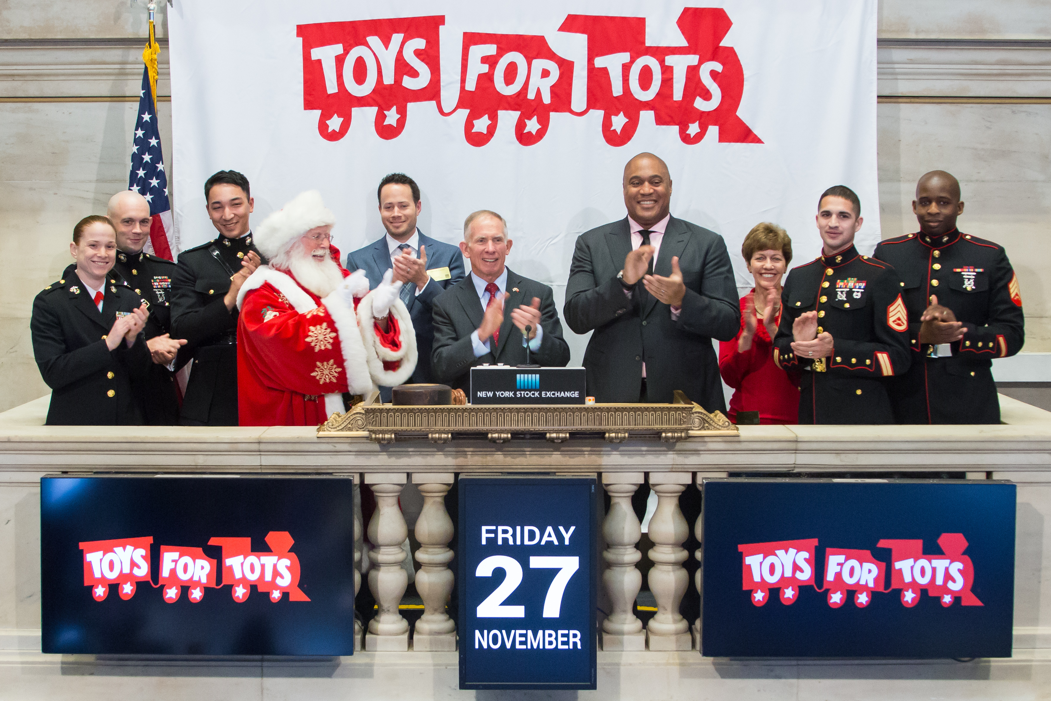Toys For Tots Articles : National santa celebrity gallery